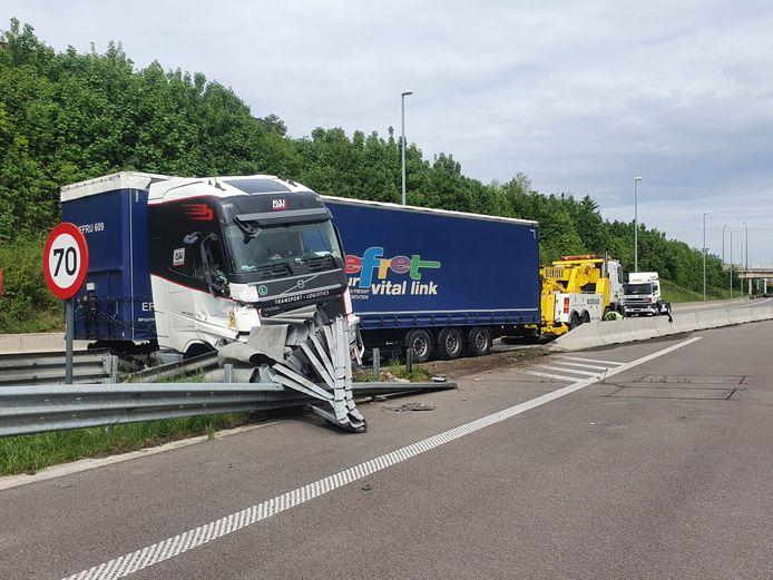 Vrachtwagen in schaar Binnenring.