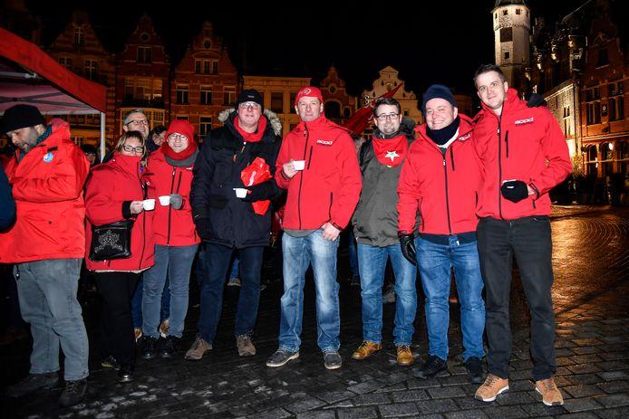 Ook ontslagen vakbondsman Martin Christiaens (midden) woonde het protest bij.