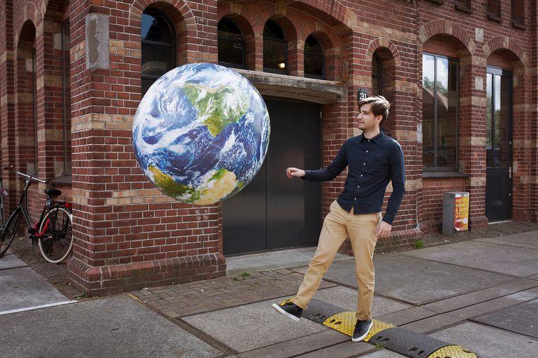 Ronald Hans, beter bekend als blogger Nalden, in 2014 bij zijn kantoor in Amsterdam.  Beeld Contour by Getty Images