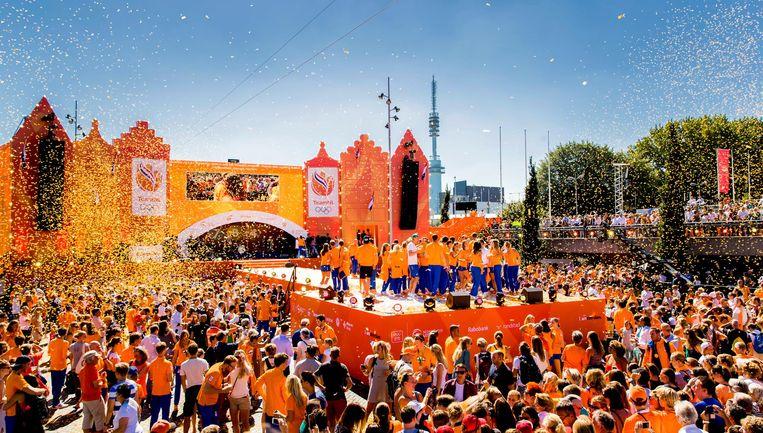 Er waren beduidend minder mensen dan verwacht bij de huldiging van de Nederlandse Olympiërs. Beeld anp