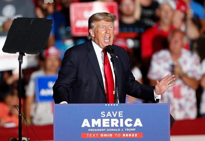 Een strijdbare Donald Trump tijdens zijn eerste campagnebijeenkomst in Ohio, zoals zijn aanhangers hem graag zien.