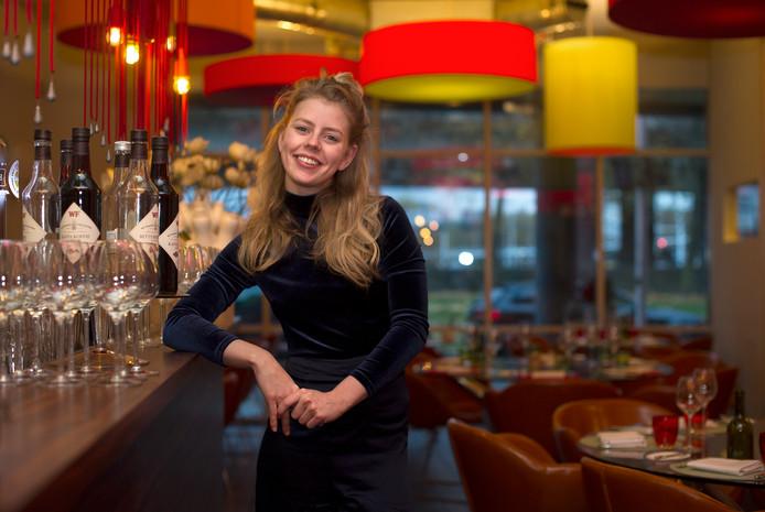 Estée Strooker in een van haar andere restaurants, 't Amusement.