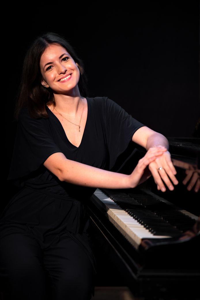 Pianiste Dina Ivanova.