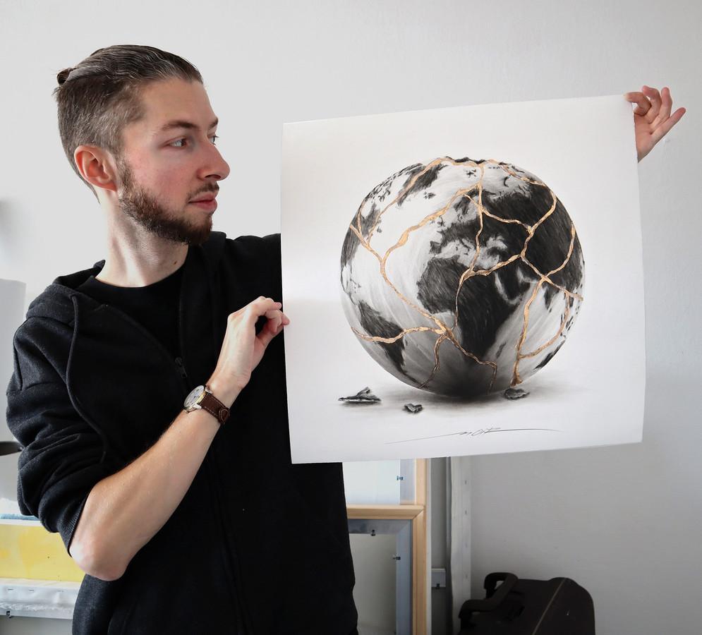 L'oeuvre de 50x50 cm est en vente sur le site de NOIR Artist.