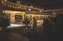 Woonzorgcentrum Ter Venne wordt verlicht door 25.000 kerstlichtjes.