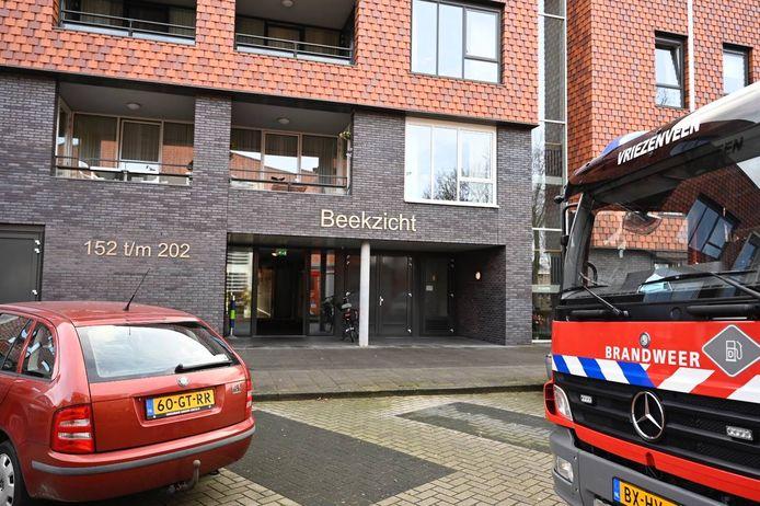In Westerhaar-Vriezenveensewijk moest de brandweer mensen uit de lift bevrijden.