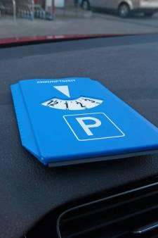 Parkeerschijf verplicht voor deel parkeerplaats winkelcentrum Tarthorst
