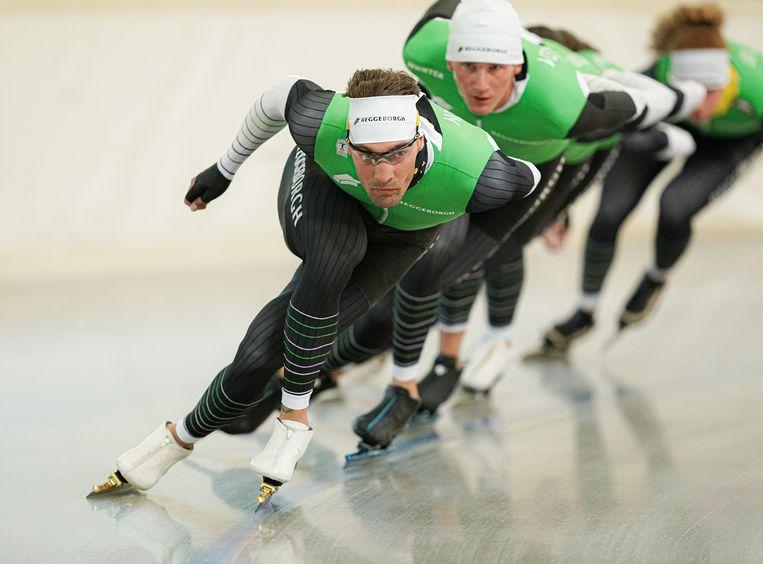 Kjeld Nuis op kop tijdens het trainingskamp van Team Reggeborgh.  Beeld Timsimaging