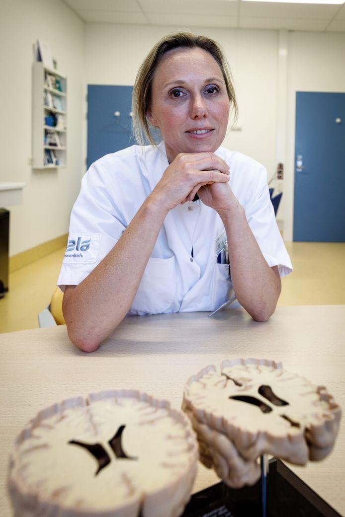 """Neuroloog Esther Zeinstra: ,,Heel lang was er maar weinig keuze in de behandeling van MS, maar in korte tijd is er een veelheid aan nieuwe medicatie gekomen."""""""