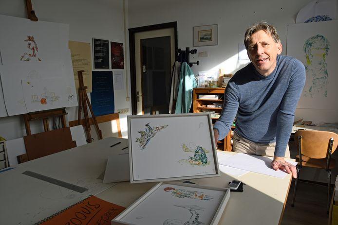 Domien van Parys in zijn atelier in de Leutfabriek in Sas van Gent, initiatiefnemer van een nieuwe, grootse kunstmanifestatie in de Kanaalzone, het tiendaagse Crossing Art Border-festival.