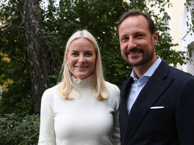"""Noorse kroonprinses Mette-Marit openhartig over 20 jaar huwelijk en ongeneeslijke ziekte: """"Samen voelen we ons veilig"""""""