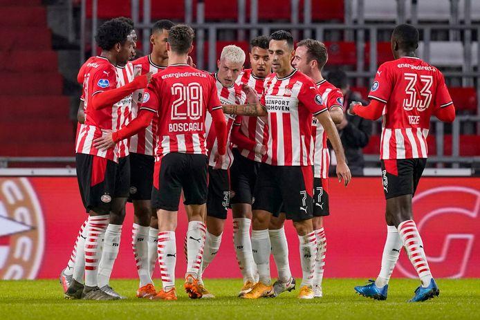 PSV viert een goal tegen Willem II.