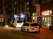 Politie doet onderzoek naar dode man in woning