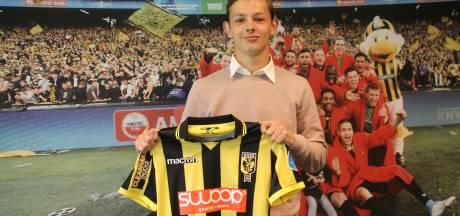 Apeldoorner De Beer tekent eerste profcontract bij Vitesse