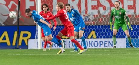 Schwalbe Wittek, of oordeelde arbiter Van Boekel juist? Penalty voor Vitesse zorgt voor felle discussie
