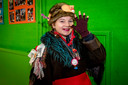 20210212 - BERGEN OP ZOOM  - Pix4Profs/Tonny Presser -   Pien uit groep 8 - Op basisschool De Aanloop gaan kinderen aan de slag met het kindervastenavendboekje. Kinderen komen verkleed naar school.