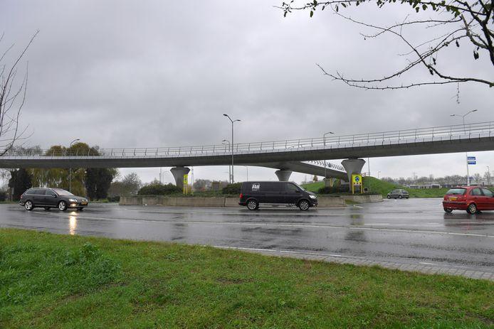 De superrotonde Bruistensingel-Empelseweg