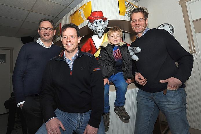 Nieuwe uitbaters hotel Aarden met vlnr: Ronald vd Sandt, Johan Bosters en Ewout vd Berg.