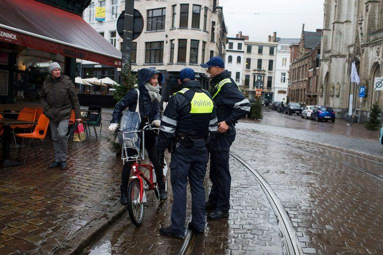De politie voert al sinds eind 2017 extra controles uit op fietsers die de verkeersregels niet respecteren.