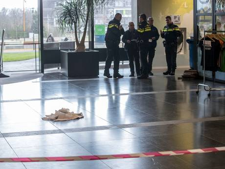 Student gestoken in oog op campus Wageningen, verwarde man opgepakt