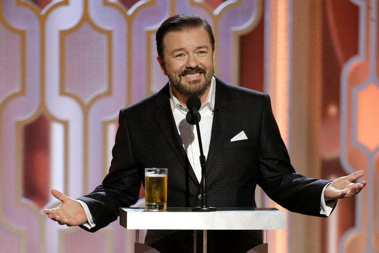 Ricky Gervais is gastheer van het 73ste gala voor de Golden Globe Awards in 2016 in Beverly Hills. Met zijn cynische grappen, ook over de jury van de Globes, vergrootte hij de populariteit van het gala. Beeld Getty Images