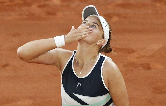 Déjà qualifiée pour la finale du simple, Barbora Krejcikova s'est aussi qualifiée pour la finale du double à Roland-Garros.