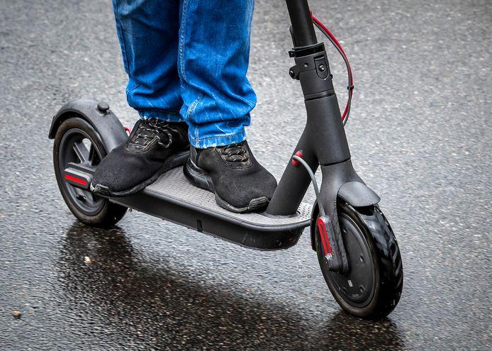 Gebruikers van elektrische vervoermiddelen demonstreren met een rijtoer door de stad voor legalisatie van hun voertuig. De actie is georganiseerd door LegaalRijden, belangengroep van gebruikers van persoonlijke mobiliteit zoals e-steps, elektrische skateboards en eenwielers. ANP REMKO DE WAAL