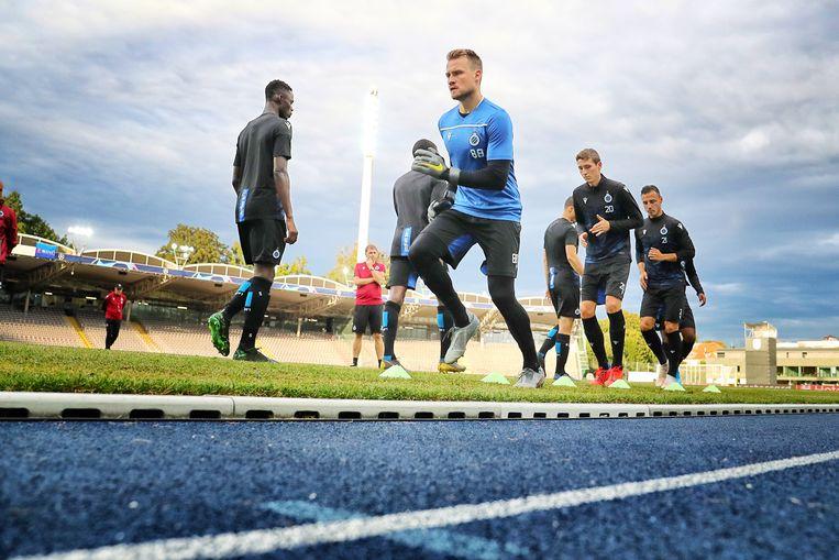 Club-keeper Simon Mignolet traint in Linz, Oostenrijk. Beeld BELGA