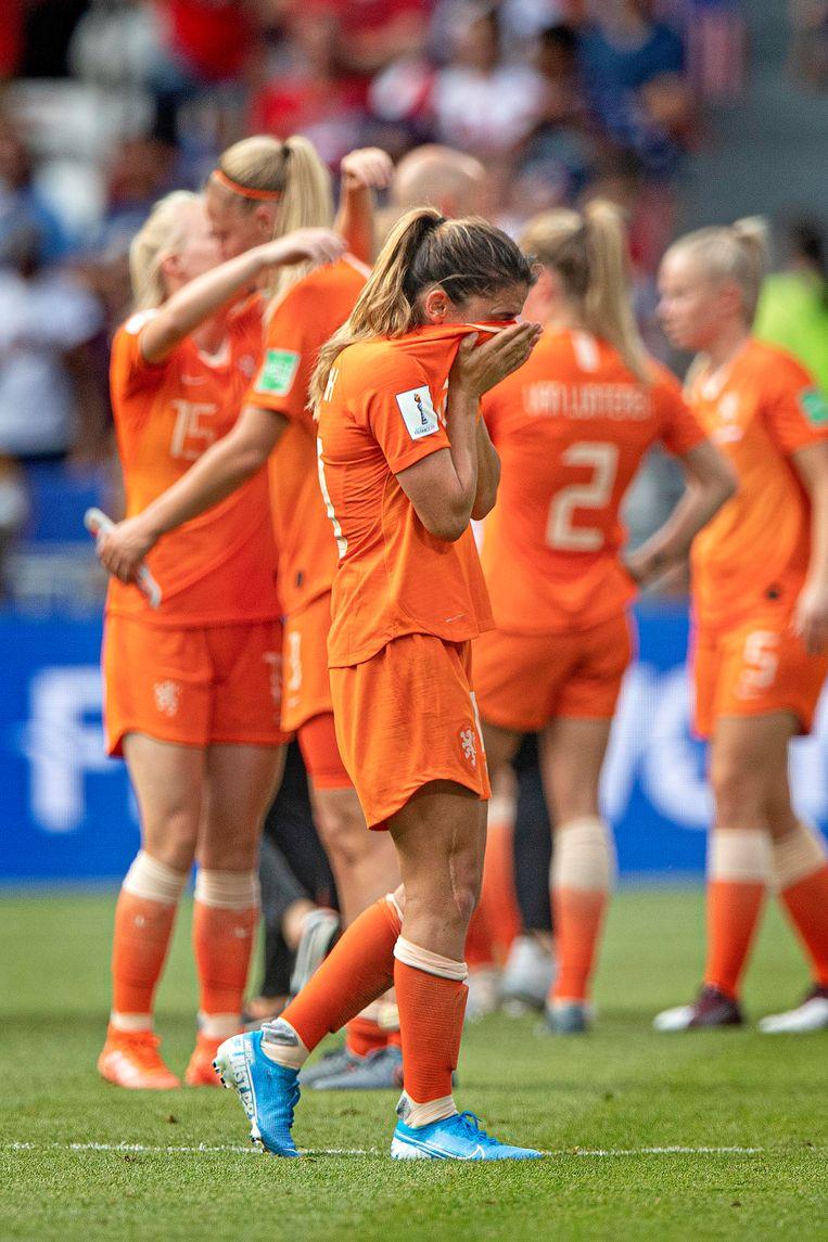Daniëlle van de Donk in tranen na de verloren WK-finale. Beeld Guus Dubbelman / de Volkskrant