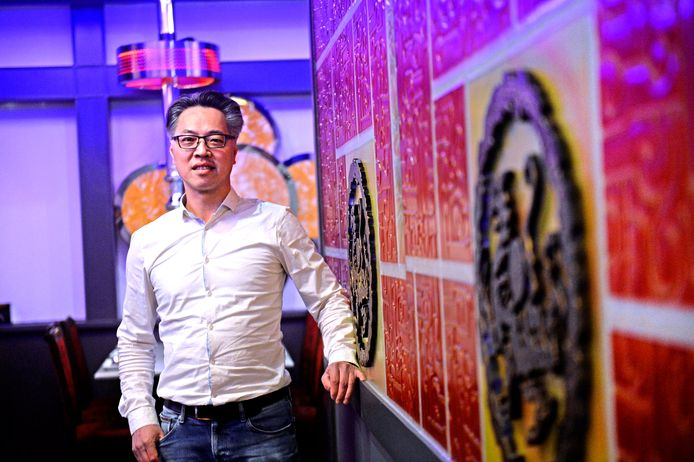 Peter Hu uit Enschede merkt de gevolgen van het coronavirus
