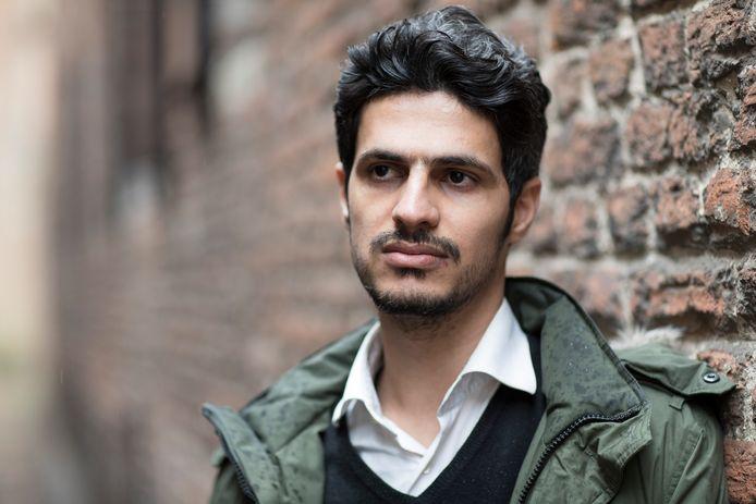 Naser Aziz zit in een safehouse, hij durft niet meer in het azc in Zutphen te wonen.