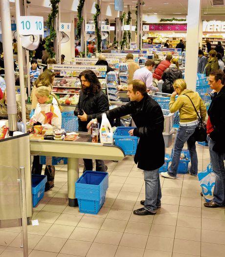 Drukte in supermarkten na persconferentie: 'Klanten nemen soms complete dozen melk mee'