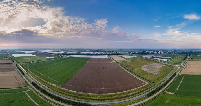 Het bedrijven- en glastuinbouwterrein Agro Food Cluster op Nieuw Prinsenland, tussen Dinteloord en Stampersgat, bestaat 0 jaar.