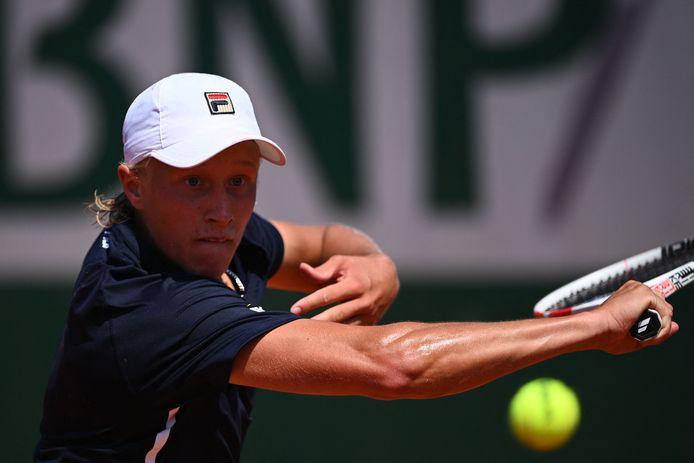 Leo Borg in actie op Roland Garros.
