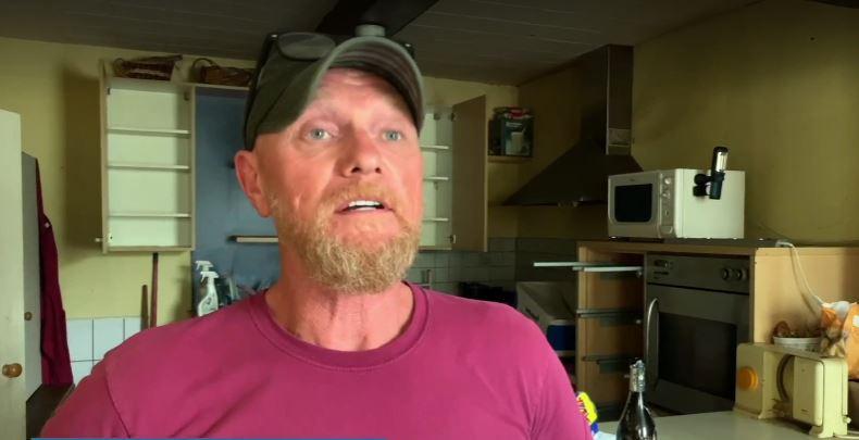 Didier Parmentier ging helpen een huis opruimen van een man in Verviers. TV Luxemburg interviewde hem daar toen.