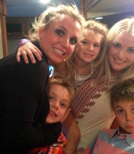 """La sœur de Britney Spears sort du silence: """"Je ne l'ai peut-être pas soutenue avec un hashtag sur les réseaux sociaux mais..."""""""