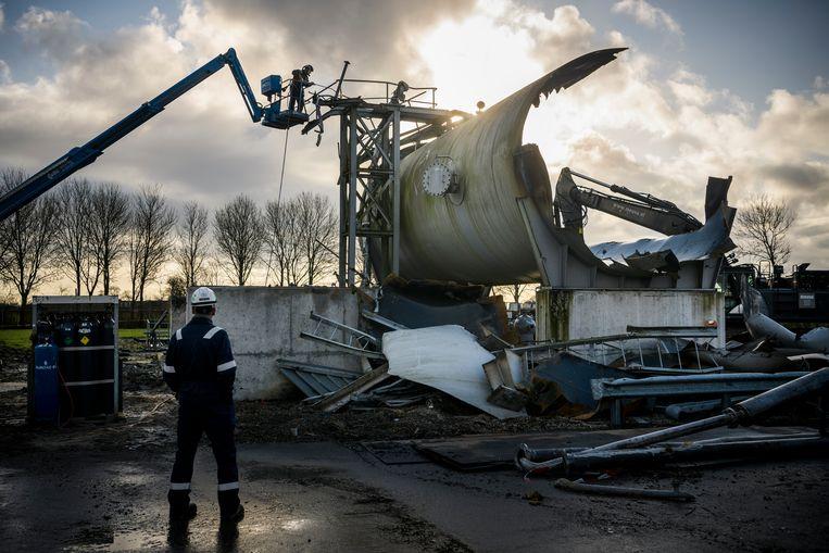 Ontmanteling van de gaswinningslocatie in Ten Post in 2019. De NAM heeft een start gemaakt met de ontmanteling van deze locatie als eerste van de productieclusters rondom Loppersum.  Beeld Kees van de Veen