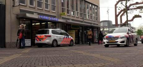 Politie zoekt vrouw die contact had met overvallers telefoonzaak in Doetinchem