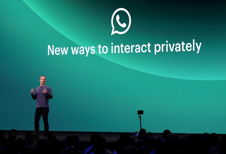 Mark Zuckerberg, CEO van Facebook, kondigde op 30 april al aan dat zijn bedrijf naar manieren zoekt om mensen de mogelijkheid te geven om op een meer kleinschalige manier te communiceren. Beeld AFP