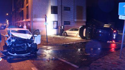Extreem geval van verkeersagressie tijdens nieuwjaarsnacht: bestuurder Range Rover veroorzaakt ongeval, stapt uit en deelt rake klappen uit