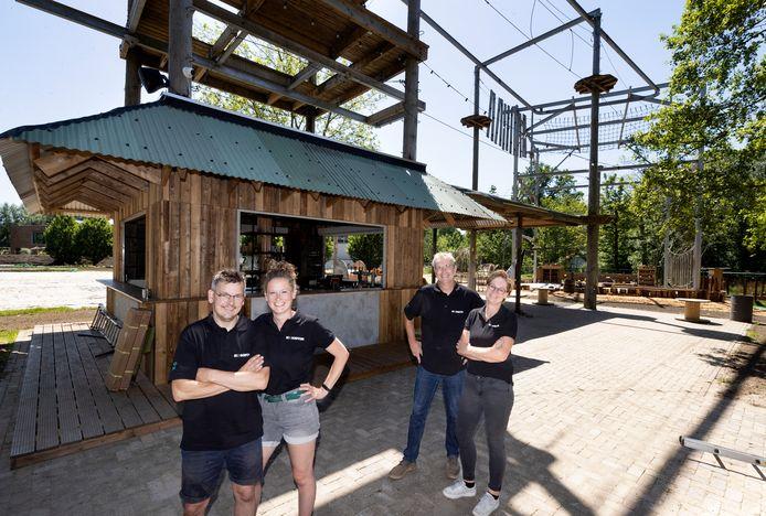Dave en Chantal van de Burgt en Jan en Ardi Crooijmans beginnen opnieuw met een terras: De Dorpstuin.