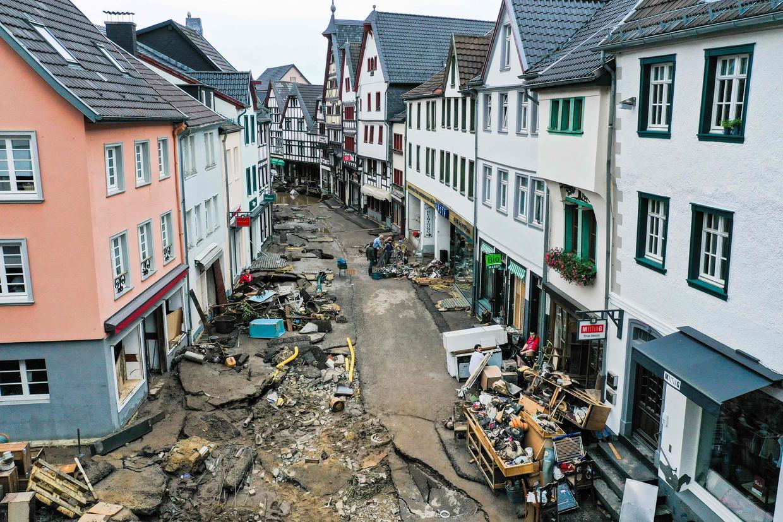 Het water van rivier de Erft stroomde door het centrum van Bad Münstereifel.