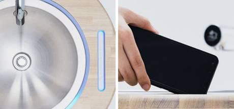 Un lavabo high tech pour se laver les mains et le smartphone