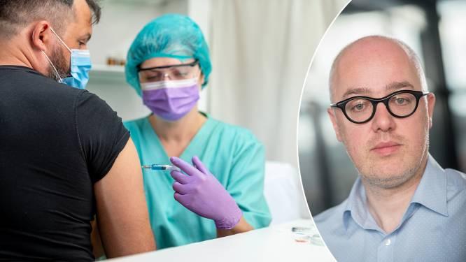 Mag je werkgever jou verplichten om je te laten vaccineren? Werkexperts leggen uit wat je baas wel en niet van jou mag vragen of eisen