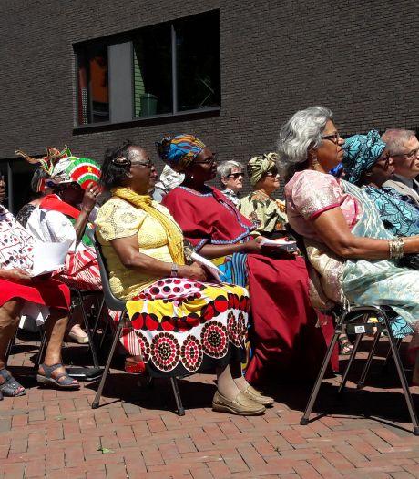 'Dubbelbloedje' steelt harten bij herdenking slavernij in Tilburg
