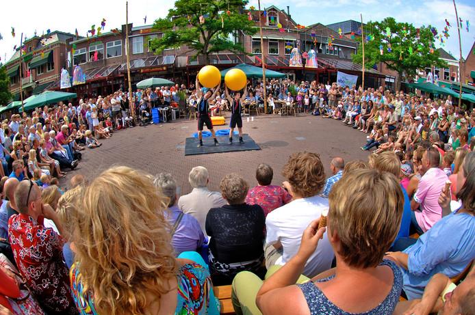 Een forse verlaging van de gemeentelijke subsidie betekent de doodsteek voor het jaarlijkse Straattheater in de binnenstad van Oldenzaal.