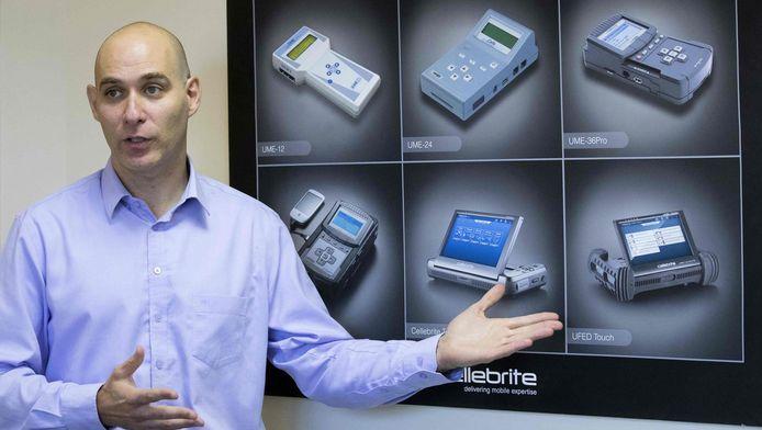 """Selon Lior Ben-Peretz, un des directeurs de Cellebrite, aucun portable sur le marché n'est inviolable: """"Nous y parvenons toujours, même sur les derniers appareils et derniers systèmes d'exploitation"""""""