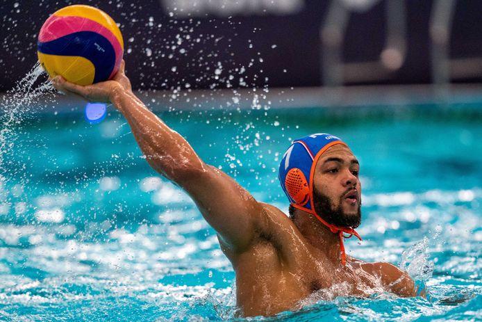 Bilal Gbadamassi in actie tegen Kroatië.