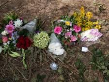 Familie slachtoffers Wehl bezoekt plek des onheils, nog talloze vragen over wat er is gebeurd : 'Verscholen tussen de bomen lag de auto'