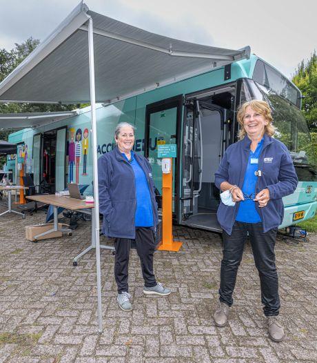 GGD met prikbus naar IJsselmuiden; vaccineren zonder afspraak